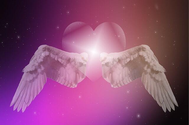 天使の羽とハート