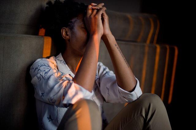 頭痛の恋愛の意味やスピリチュアルメッセージ