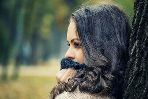 """「女性が""""好きな人にとる態度""""のよくあるパターン9つ」と体験談"""