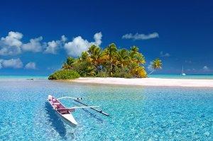 「夢占い」海に落ちる夢を見た意味とは?明るい海/暗い海/海底に沈むなど状況別に解説