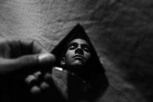 「夢占い」自分が死ぬ夢を見る意味とは?生き返る/殺される/落ちて死ぬ
